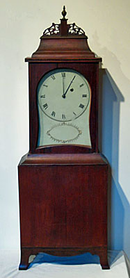 Fine cherry kidney dial shelf clock attributed to William Fitz, Portsmouth, New Hampshire, circa 1798